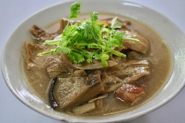 チェンマイカオマンガイ・ハイラムの湯葉と椎茸の旨煮