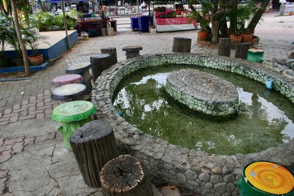 チェンライ温泉の足湯