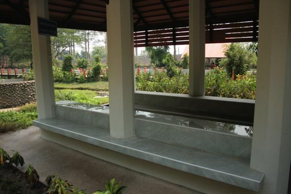 サイカオ温泉の足湯