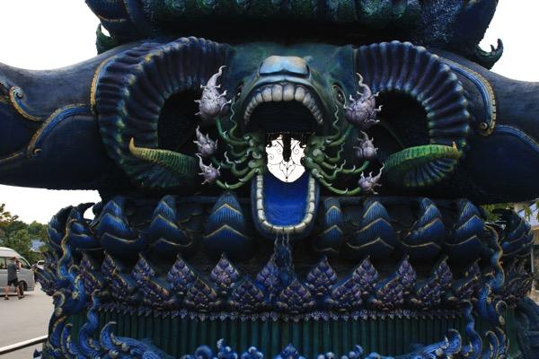 ワット・ロンスアテンの入り口の蓮の台座