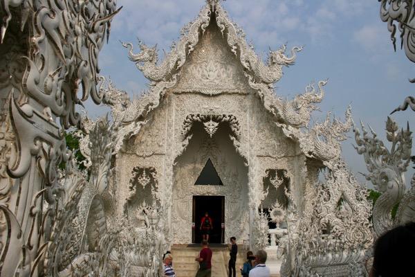 ホワイトテンプルの礼拝堂の入り口