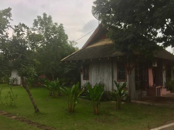 プラルアン温泉のバンガロー