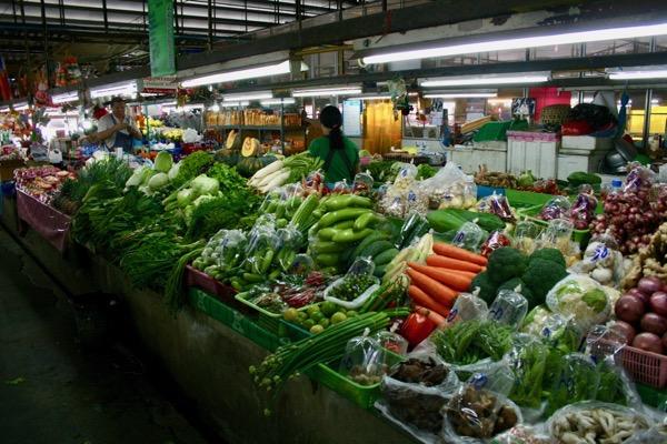 ルアムチョーク市場の生鮮野菜