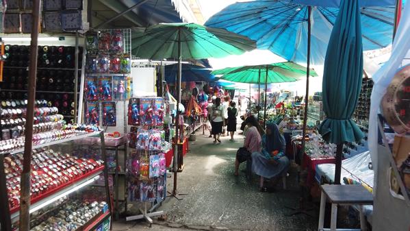 タチレクの市場