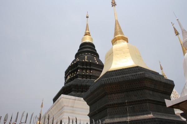 プレー県の虎年の仏塔