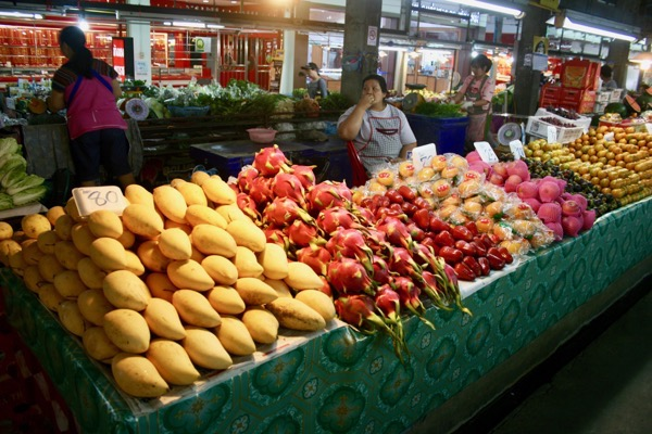 ルアムチョーク市場の果物