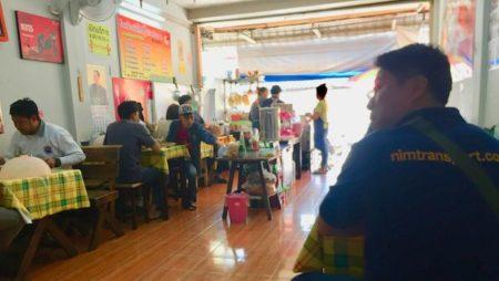 サンティタムの人気カオマンガイ店!バラエティー豊富なカオマンガイが食べれる