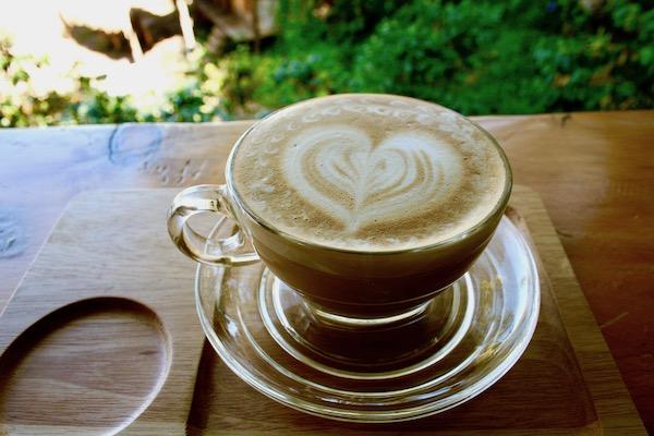 モン族カフェのカフェラテ