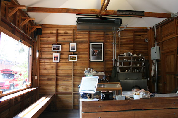 CoolMuang Coffeeの店内