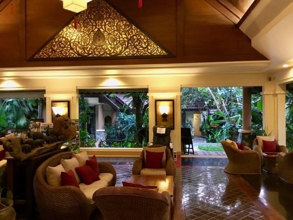 ラルーナホテルリゾートチェンライのロビー