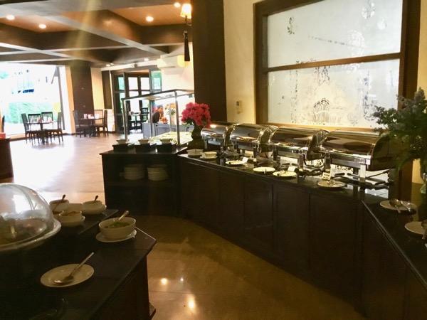 ラルーナホテルリゾートチェンライの朝食ビュッフェ