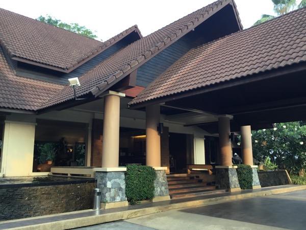 ラルナホテル&リゾートチェンライの入り口