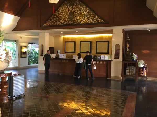 ラルナホテル&リゾートチェンライのフロント