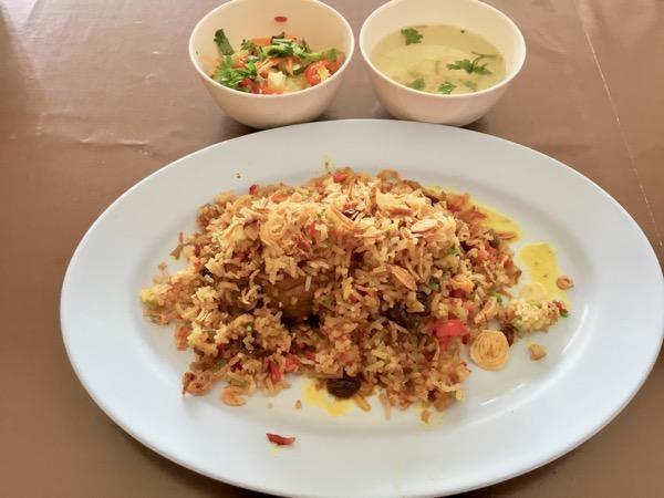 チェンマイのハラルレストラン(クルアビスミスラー)のビリヤニ