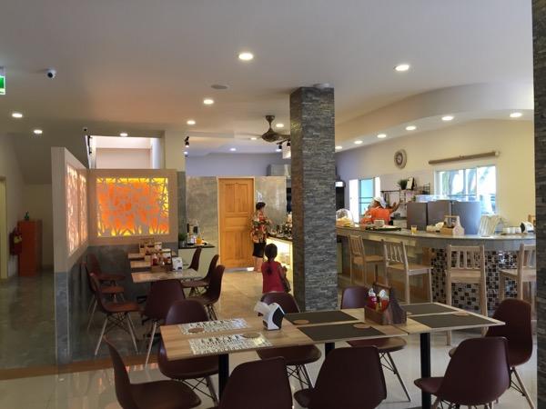 ハーイ チェンライ ホテルの朝食会場