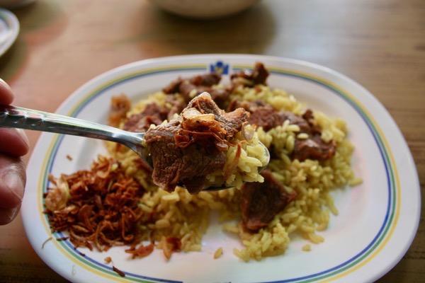 ターシニー1号店のカオモックウアの煮込まれた牛肉