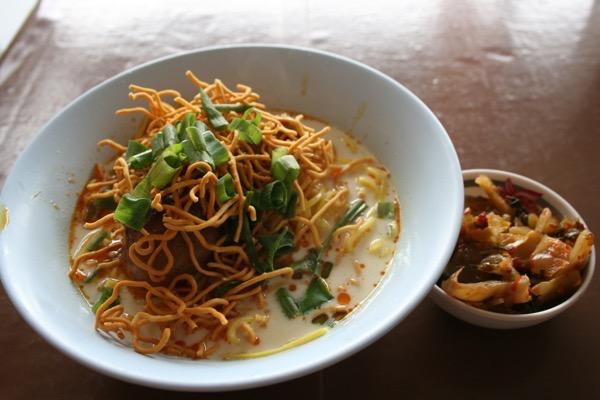 チェンマイのハラルレストランのカオソーイ