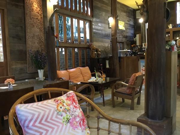 Tanita Coffee店内