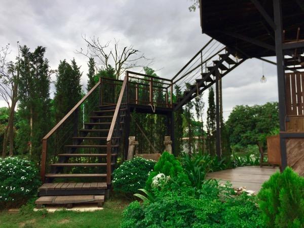 カオマカームカフェの階段