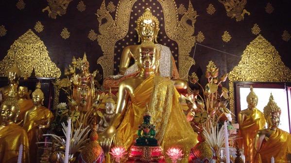 中央礼拝堂の仏像