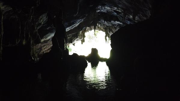 タム・ロート洞窟神秘的な光景