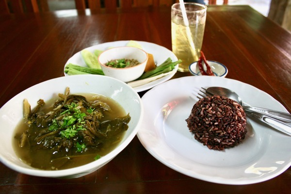 フアン・ジャイ・ヨーンのお料理
