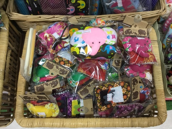 メーサー・エレファント・キャンプお土産屋で売っている象のティッシュケース