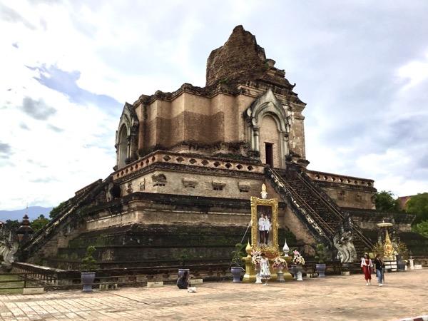 ワット・チェディルアンの巨大な仏塔