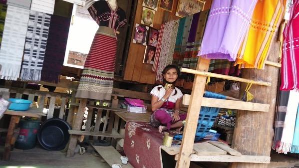 首長族の村(フアイプーケン村)のお土産売り場
