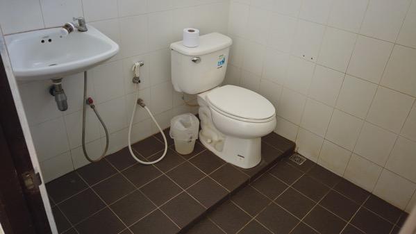 ザ・ニッチ・ホテル本館のトイレ