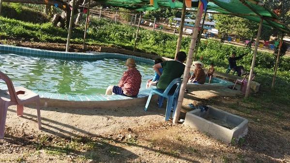 ポーン・ブア・バーン温泉の足湯