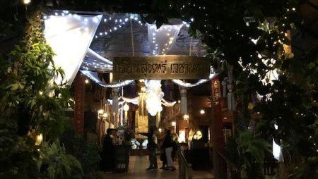 チェンマイの有名女性歌手の生歌が楽しめる北タイ料理レストラン「フアン・スンタリー」