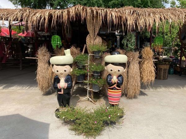 ドイサケットにあるタイルー族の織物体験カフェの入り口