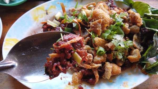 ラープガイムアンパンウェーンの鶏肉の生ラープ