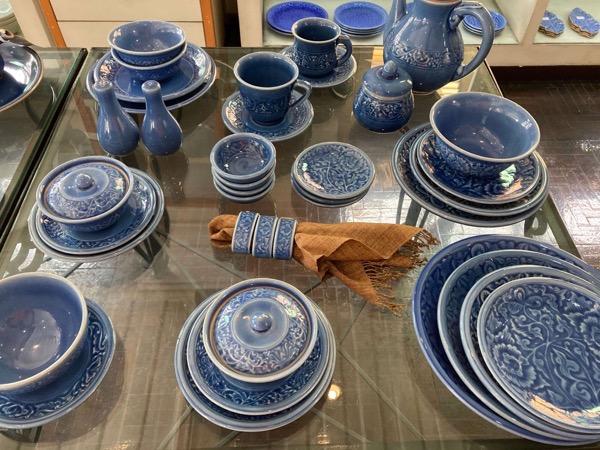 ラミンティーハウスのセラドン焼きブルーの食器セット