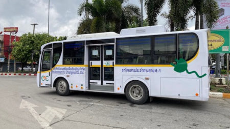 チェンマイで電気バス導入