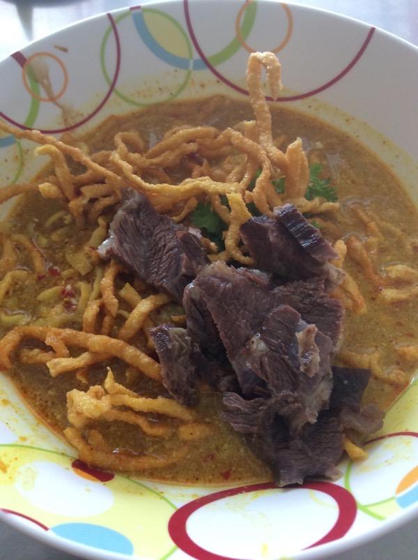 2013年のカオソーイウアライの牛肉のカオソーイ