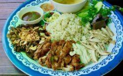 チェンマイで一番のデカ盛りカオマンガイ