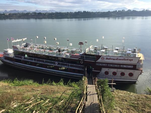 メコン川サンセットクルーズVIPの遊覧船