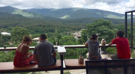 美しい山の景色が楽しめるチェンマイのカフェ