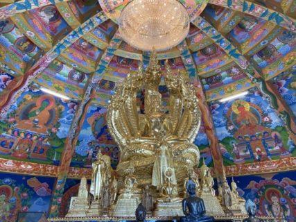 美しすぎるタイで唯一の仏塔!チェンマイのインスタ寺院